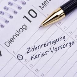 Zahnreinigung und Karies-Vorsorge als Eintrag im Terminkalender